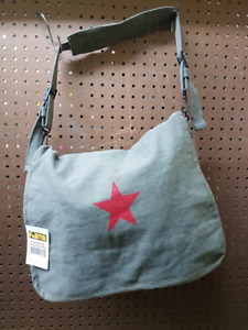 Sac bandoulière étoile rouge / Red Star Carry-On Bag