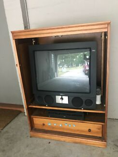 Loewe television and video player, and entertainment unit
