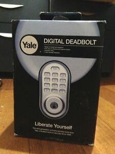 Yale Digital Door Lock Keyless Deadbolt Silver Still in Box Malvern East Stonnington Area Preview