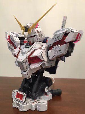 Gundam 1/35 Unicorn Head Bust Plastic Model Kit With LED Ver.New