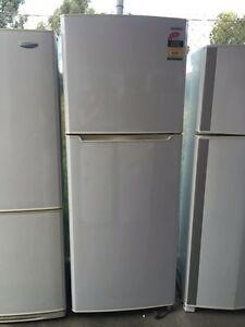 4.5 star/ like new / Great working 395 liter sumsung fridge, Mont Albert Whitehorse Area Preview