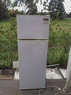4.5 star 220 liter great working kelvinator fridge , can delivery