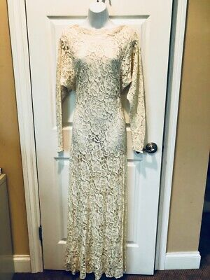 Vintage  Ivory  Wedding Gown . LACE. LONG SLEEVE Size Small