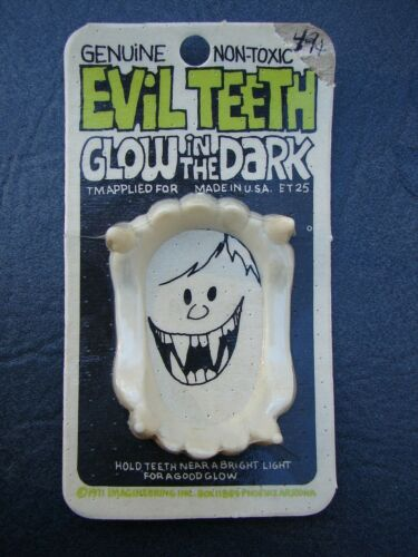 MOC Vintage 1971 Imagineering Evil Teeth Vampire BLOOD -Johnson Smith Catalog Co