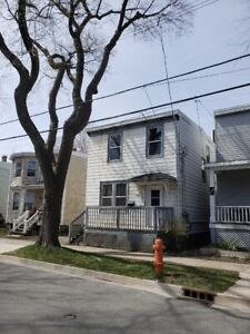 1 bedroom available in west Halifax close to downtown