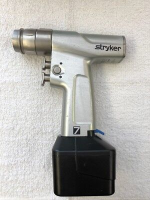 Stryker 7205 System 7 Dual Trigger Rotary Handpiece With 6215 Battery Pack 9.6v