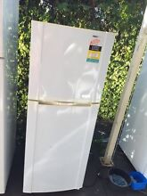 4.5 star energy rating / great working 210 liter sumsung fridge, Mont Albert Whitehorse Area Preview