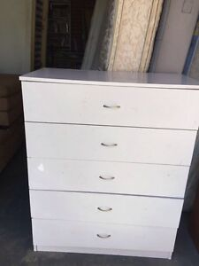 lovely white wooden 5  big drawers chest of drawer,can delivery a Mont Albert Whitehorse Area Preview