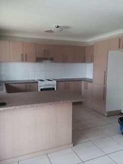 Modern Town house Glenfield for rent  Glenfield Campbelltown Area Preview