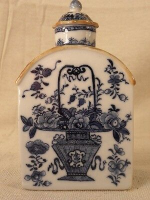 CHINESE EXPORT PORCELAIN TEA CADDY