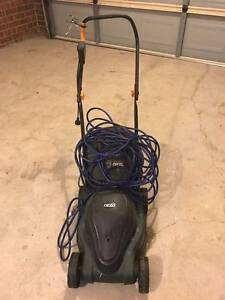 Electric lawn mower working in good condition Roxburgh Park Hume Area Preview