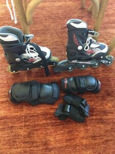 Kids roller skates with knees & hand guards