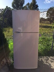 Great working 454 liter whirlpool fridge , can delivery at extra fee. Mont Albert Whitehorse Area Preview