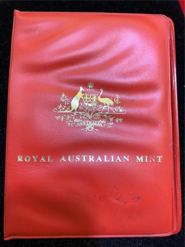 ROYAL AUSTRALIAN MINT 1974 mint set (6 coins) in original red pocket.