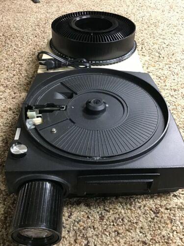 Kodak 750 Carousel Slide Projector w/ Zoom Lens Remote 2 Cords Tray  Ship FREE!