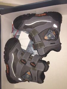 Brand New Geox toodler light up boots 6.5