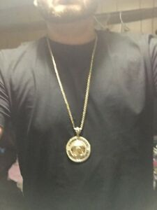 GOLD CHAIN WITH VERSACE PENDANT