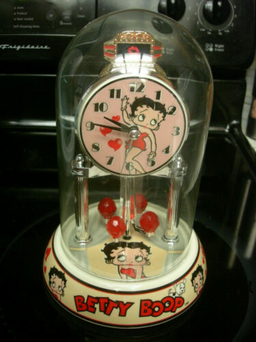 Betty Boop porcelain anniversary Clock with Circling Hearts MINT