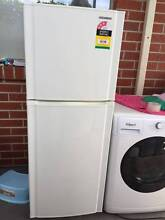 excellent 223 liter sumsung fridge , can delivery at ecxtra fee Mont Albert Whitehorse Area Preview