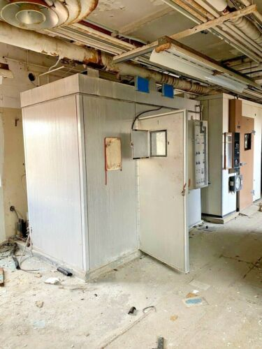 """OFF DEMO SITE- EGC Walk-In Coolers / Environmental Chambers 55""""x117""""x94"""""""