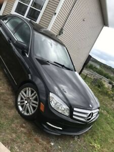 2011 Mercedes Benz c250 sport (Awd)