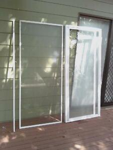 SOLD PENDING PU Shower Screen and Base Mannering Park Wyong Area Preview