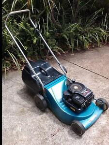 Rover Jetfast 3.5 HP Lawn Mower and Catcher Woombye Maroochydore Area Preview
