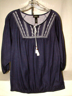 #4237 EMBROIDERY EMBELLISHED 3/4 SLEEVE BLOUSE FROM KAREN BROOKS, SZ SM, NVY/WHT