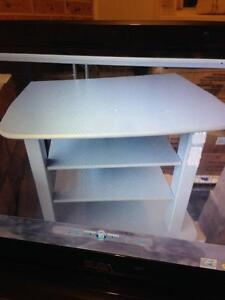 NEW TV STAND . Wakeley Fairfield Area Preview