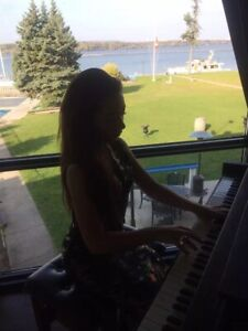 Piano teacher/ offering private lessons at your home