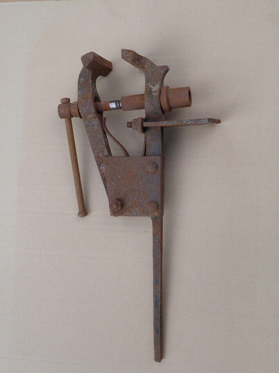 Alter Schraubstock antiker Schmiedeschraubstock Feldschraubstock Antiquität