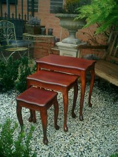 Mahogany Colour Queen Anne Set 3 Nesting Tables / Side Tables