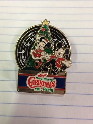 Disney Pin Mickey & Minnie MVMCP Mickey's Very Merry Christmas Party 2011 LE (Mickey's Very Merry Halloween)