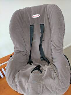 Baby /toddler car seat with straps. clean and plush
