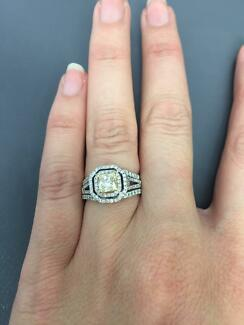 Stunning Yellow Diamond White Gold Engagement Ring  1.5+ carat Woolooware Sutherland Area Preview