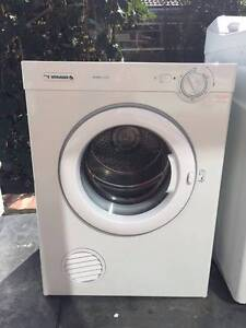 like new great owrking 5 kg simpson modern dryer only , can deliv Mont Albert Whitehorse Area Preview