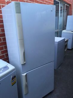 great working 411 liter buttom freezer fridge , can delivery at e