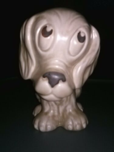 SYLVAC 1247 Made in England Dog With Puppy Eyes.
