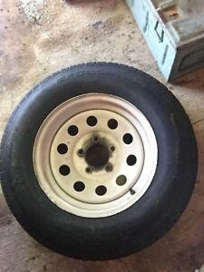 205-70-14 pneu de trailer 40$