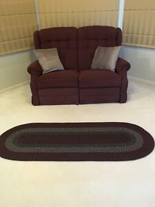 Love seat in maroon, 2 seat recliner with foot rest Sandringham Rockdale Area Preview