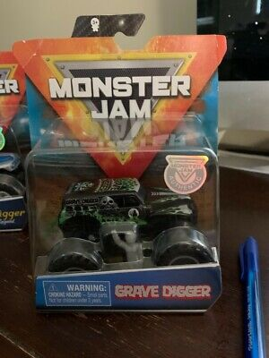 MONSTER JAM SPIN MASTER AUTHENTIC 2019 GRAVE DIGGER MONSTER TRUCK