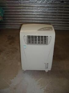 Evaporative Cooler, IXL ICECAP, portable on castors. Ormiston Redland Area Preview