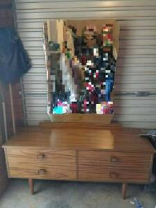 Bargain Dressing Table with Mirror and Drawers Parramatta Parramatta Area Preview