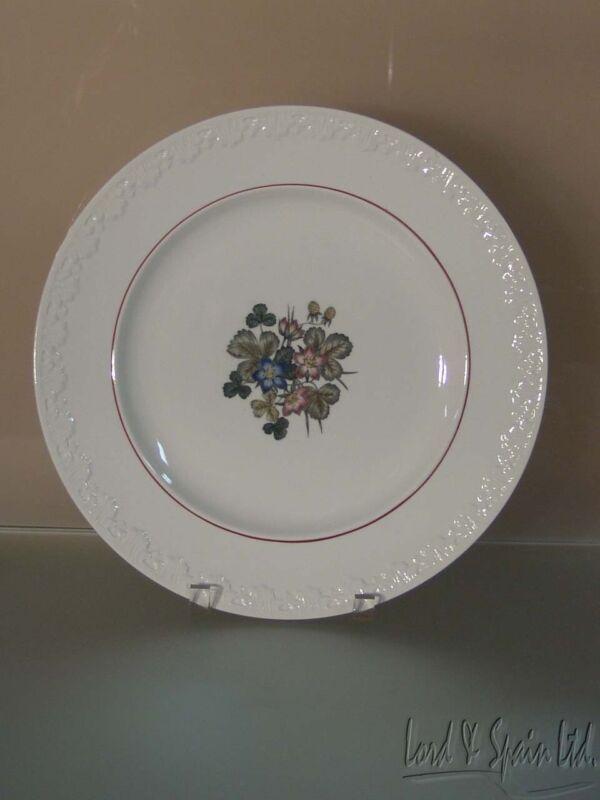 "Wedgwood PEMBROKE Corinthian 12 3/4"" Floral Round Chop Plate/Platter"