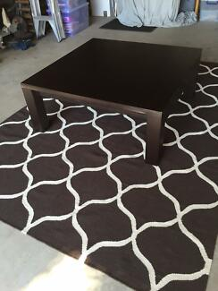 Black/ Brown Oak Country Road Coffee table Lilli Pilli 2229 Sutherland Area Preview