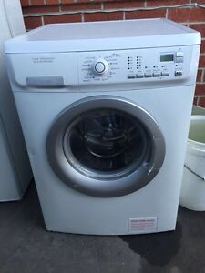 Large/ Great working 8 kg time management electrolux washing Mont Albert Whitehorse Area Preview