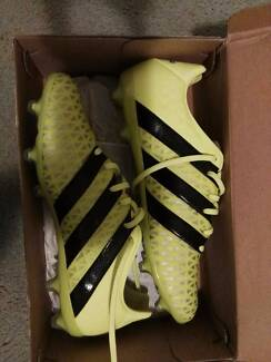 Adidas ACE 16.2 soccer boot 99% NEW!  SIZE UK 9