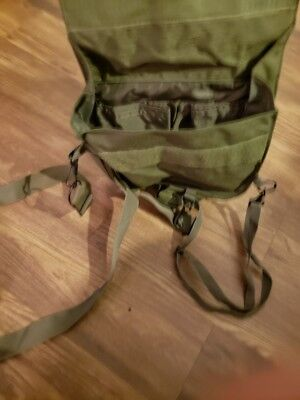 M-40 gas mask carrier