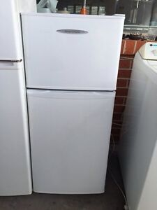 tiny GREAT WORKING 172 liter fisher &paykel fridge Mont Albert Whitehorse Area Preview