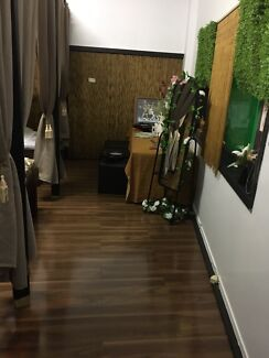 Build massage shop and timber floor